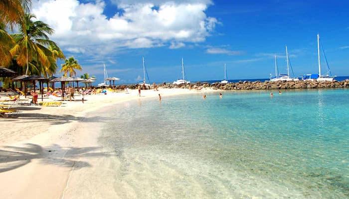 Playa de Martinica, una de las islas de las Antillas menores